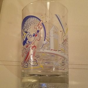 Vintage 25th anniversary collectable Disney glass